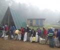 Porteurs - Machame Gate 1800 m d'altitude - Ascension du Kilimandjaro - Tanzanie